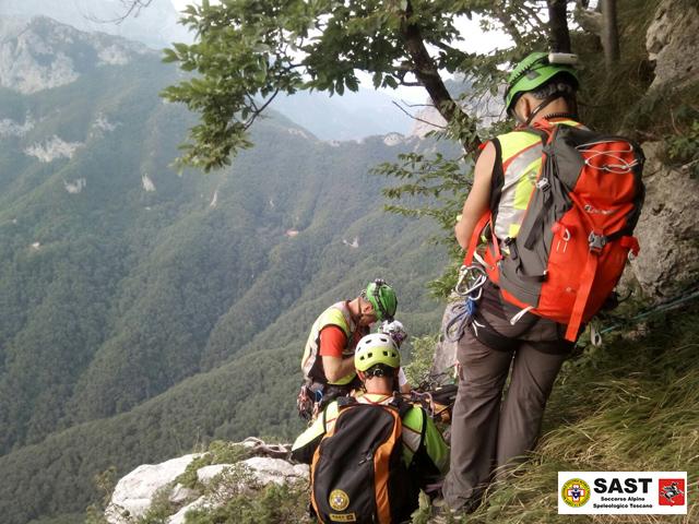 Intervento della Stazione di Lucca del Soccorso Alpino nel Gruppo del Monte Pisanino per due escursionisti feriti