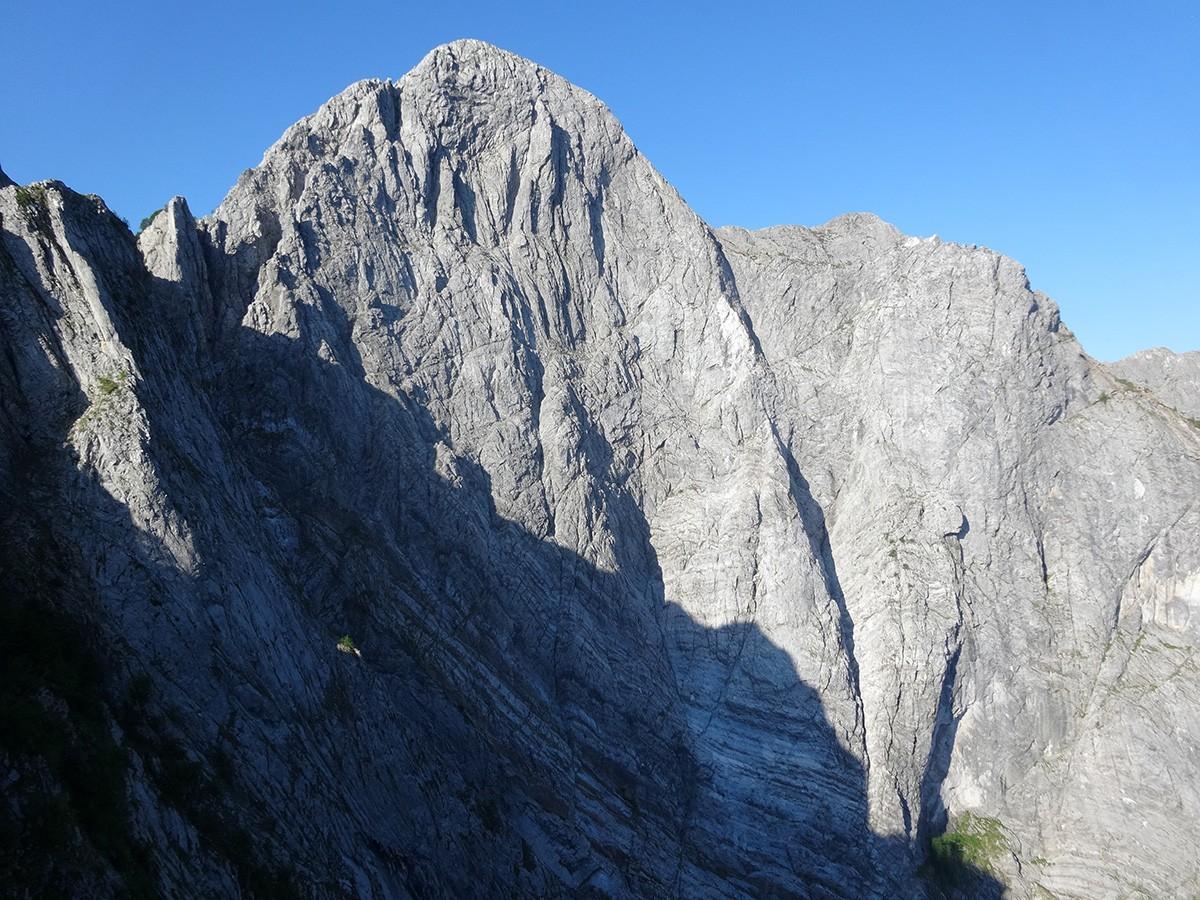 Il Soccorso Alpino Toscano è intervenuto sulla parete Nord del Pizzo D'Uccello per un'alpinista ferito