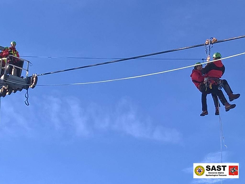 Esercitazione del Soccorso Alpino Toscano all'Abetone per lo Scarico Impianti di Risalita