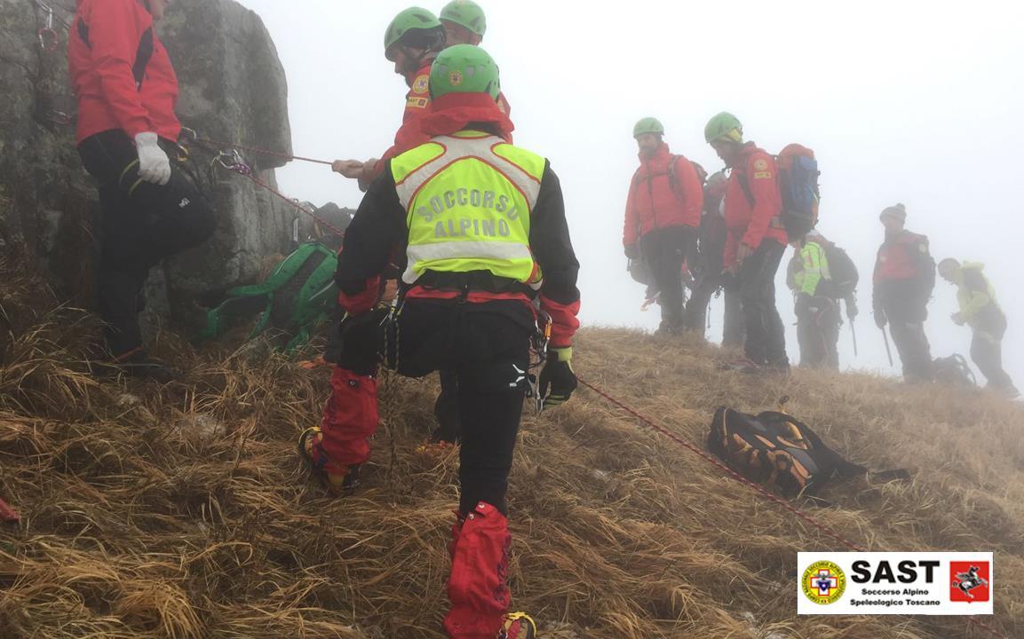 La Stazione di Querceta del Soccorso Alpino Toscano è intervenuta nella zona dei torrioni del Corchia per un alpinista infortnato