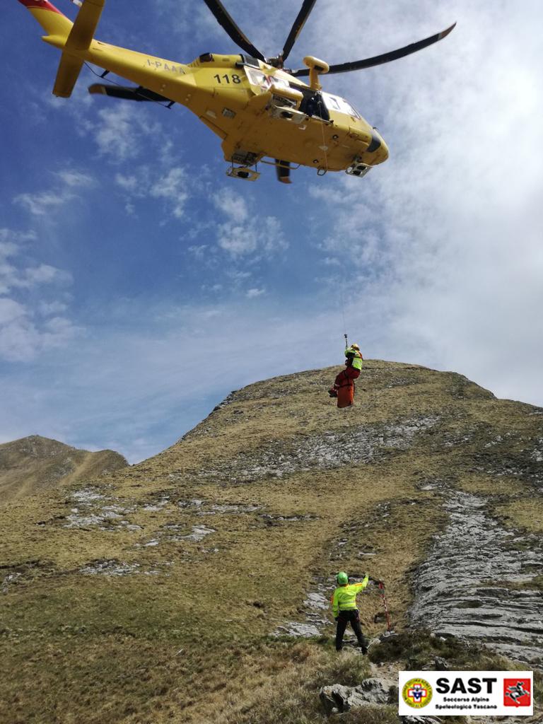La Stazione di Carrara e Lunigiana del Soccorso Alpino Toscano è intervenuta sul Monte Sagro, per soccorrere un runner