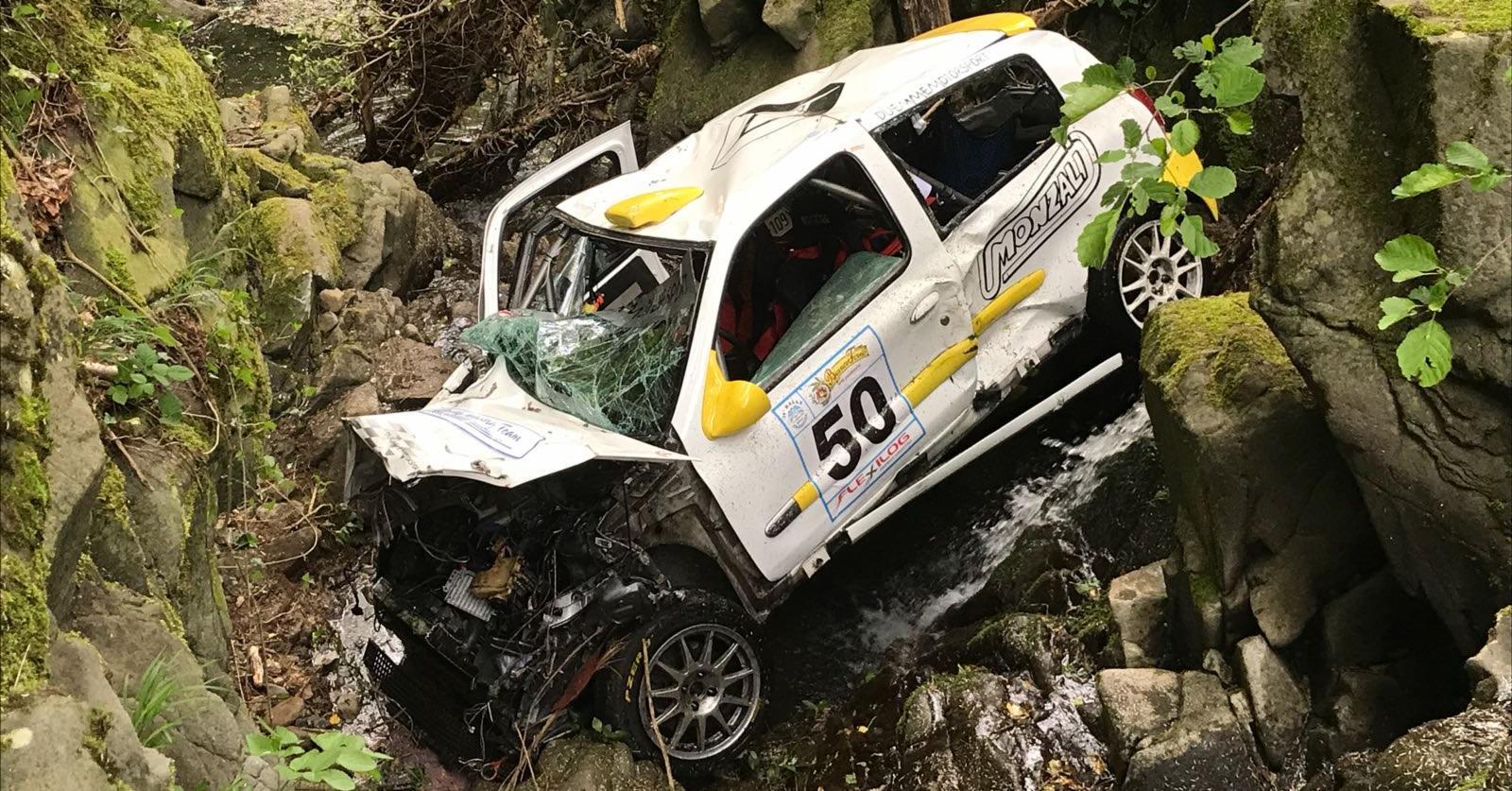 Intervento dei volontari del Soccorso Alpino Toscano della Stazione Appennino per un incidente al Rally della Valdinievole