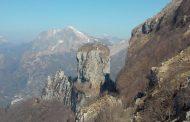 La stazione di Querceta del Soccorso Alpino Toscano è stata attivata per soccorrere un bambino caduto da un'altalena presso la Baita degli scoiattoli