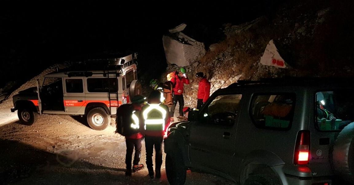 Recupero notturno per i volontari del Soccorso Alpino Toscano della Stazione Monte Falterona di un escursionista in località Poggio della Regina