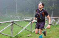 Matteo Ferrati tecnico del Soccorso Alpino Toscano in gara al Tor des Geants in Val d'Aosta