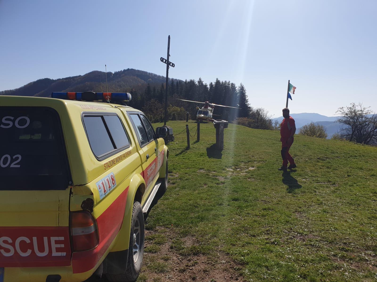 La Stazione Monte Falterona del Soccorso Alpino Toscano  attivata per il recupero di un mountain biker in difficoltà.